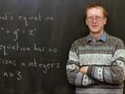Giải được bài toán 300 năm, nhận thưởng 16 tỷ