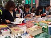 Xem & Đọc - Học sinh, sinh viên nô nức tham gia Hội sách Mùa xuân 2016