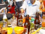 Sức khỏe - Đàn ông VN uống bia rượu nhiều nhất Đông Nam Á