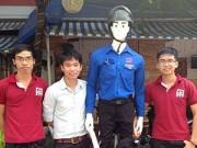 Tin tức - Robot dắt người qua đường gây chú ý ở Đà Nẵng