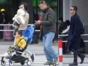 Làng sao - Tôn Lệ phờ phạc tại sân bay vì con mọn