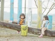 Làm mẹ - Chùm ảnh cực 'cute' của cặp sinh đôi cùng trứng người Nhật