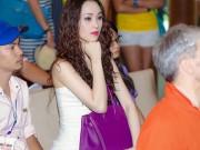 Thái Như Ngọc xinh đẹp đi xem thể thao