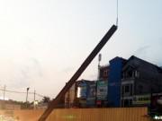 Tin tức - Rơi sắt đường sắt trên cao: Do móc cáp vào chỗ nứt