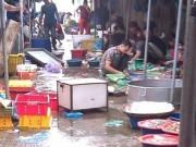 Tin tức - Cá ươn, cá thối tại chợ đầu mối hút khách vì giá rẻ