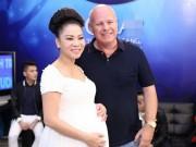 Làng sao - Thu Minh đẹp mũm mĩm bên chồng trước ngày sinh