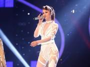 Làng sao - Đông Nhi quay trở lại với Vietnam Idol sau 8 năm