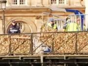 Clip Eva - Tháo gỡ hơn 700.000 chiếc khóa tình yêu tại Paris