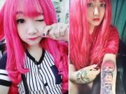 Làm đẹp - 9X Việt nổi tiếng nhờ nhuộm tóc đỏ và xăm chi chít lên cơ thể