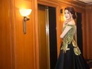 Làng sao - Á hậu Tú Anh khoe vẻ đẹp quý phái khi dự sự kiện