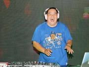 """Xem & Đọc - Hoàng Mập cười """"thả ga"""" khi tập làm DJ"""