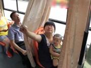Người dân hào hứng với xe bus có buồng mẹ cho con bú