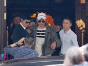 Seungri (Big Bang) thoát khỏi vòng vây fan trở về Hàn