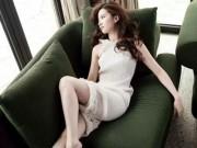 Làng sao - Lưu Diệc Phi khoe chân thon dài trên tạp chí