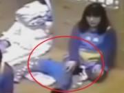Clip Eva - Video: Bảo mẫu kẹp cổ bé trai vì không ngủ trưa