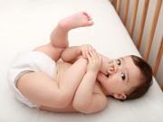 Làm mẹ - Dấu hiệu trong phân trẻ cảnh báo mẹ cần đưa bé đi khám ngay