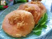 Bếp Eva - Làm bánh bông lan trứng muối bằng chảo chẳng cần lò nướng
