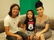 Làng sao - Chồng Việt Hương đưa con gái đến trường quay ủng hộ vợ