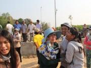 Tin tức - 9 HS chết đuối ở Quảng Ngãi: Đường làng trắng khăn tang