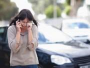 Điều ghê sợ nhìn thấy qua cửa kính ô tô của người chồng hiền