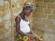 Bà bầu - Xót xa chuyện mang thai bất đắc dĩ của các bà mẹ nhí
