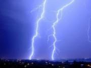 Tin tức - Bị sét đánh khi trú mưa, con chết, cha bỏng nặng