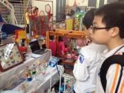 Tin tức - Cô giáo khéo tay làm đồ dùng dạy học từ xơ mướp, chai nhựa