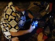 Tin tức - Bà lão 30 năm vá xe giữa lòng Sài Gòn