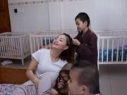 Làng sao - Lan Phương thích thú khi được các em nhỏ tết tóc