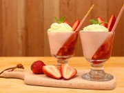Bếp Eva - Sinh tố dâu tây kem tươi giải nhiệt mùa nóng