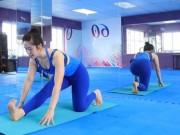 Làm đẹp - Video: Bài tập yoga giãn cơ giảm stress mỗi ngày