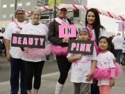 Hậu trường - HH Kelly Trang Trần dẫn con đi bộ gây quỹ chống ung thư vú