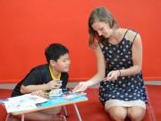 Tin tức cho mẹ - Trẻ học tiếng Anh dễ dàng qua các trò chơi giác quan
