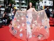 Thời trang - Angela Phương Trinh mang cả đàn cá lên thảm đỏ Cannes