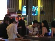 Tin tức - Phát hiện nhà hàng cho NV khiêu dâm phục vụ khách