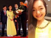 Thời trang - Nét tươi xinh và trí tuệ của cô gái tặng hoa Tổng thống Obama