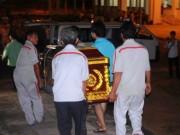 Tin tức - Đau đớn nhận xác người thân vụ tai nạn thảm khốc ở Bình Thuận