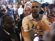 Tin tức - Những lần ông Obama tháo nhẫn để bắt tay gây tranh cãi