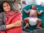 Bà bầu - Bà mẹ tuổi teen sinh con gái nặng cân nhất thế giới