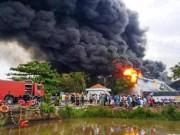 Tin tức - TPHCM: Cháy lớn trong mưa, khói bốc cao hàng trăm mét