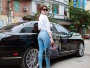 """Làng sao - Ngọc Trinh khoe khéo vòng 3 """"bốc lửa"""" với quần jeans"""
