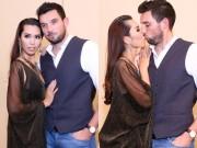 Làng sao - Siêu mẫu Hà Anh tình tứ hôn chồng sắp cưới tại sự kiện