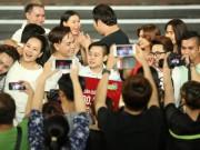"""Làng sao - Cười xuyên Việt: """"Vỡ òa"""" khi 2 nhóm hài cùng đoạt Quán quân"""
