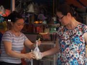 Tin tức - Bà nội trợ dậy sớm mua đồ cúng Tết Đoan Ngọ