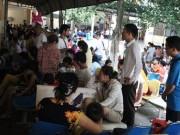 Tin tức - Nằm gốc cây, đội nắng 40 độ đưa con nhập viện vì nắng nóng