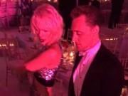 """Video: Taylor Swift nhảy nhiệt tình bên """"Loki"""" Tom Hiddleston"""