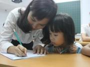 Dạy chữ trước cho trẻ: Vấn nạn nuôi con nhìn sang nhà hàng xóm