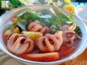 Bếp Eva - Canh bạch tuộc nấu chua hấp dẫn cuối tuần