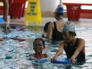 Tin tức - 200 em nhỏ có hoàn cảnh khó khăn được học bơi miễn phí