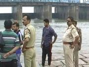 Tin tức - Ấn Độ: Chụp ảnh tự sướng, kéo 6 người khác chết theo